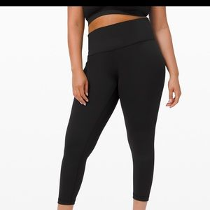 LIKE NEW Lululemon Wunder Under Leggings